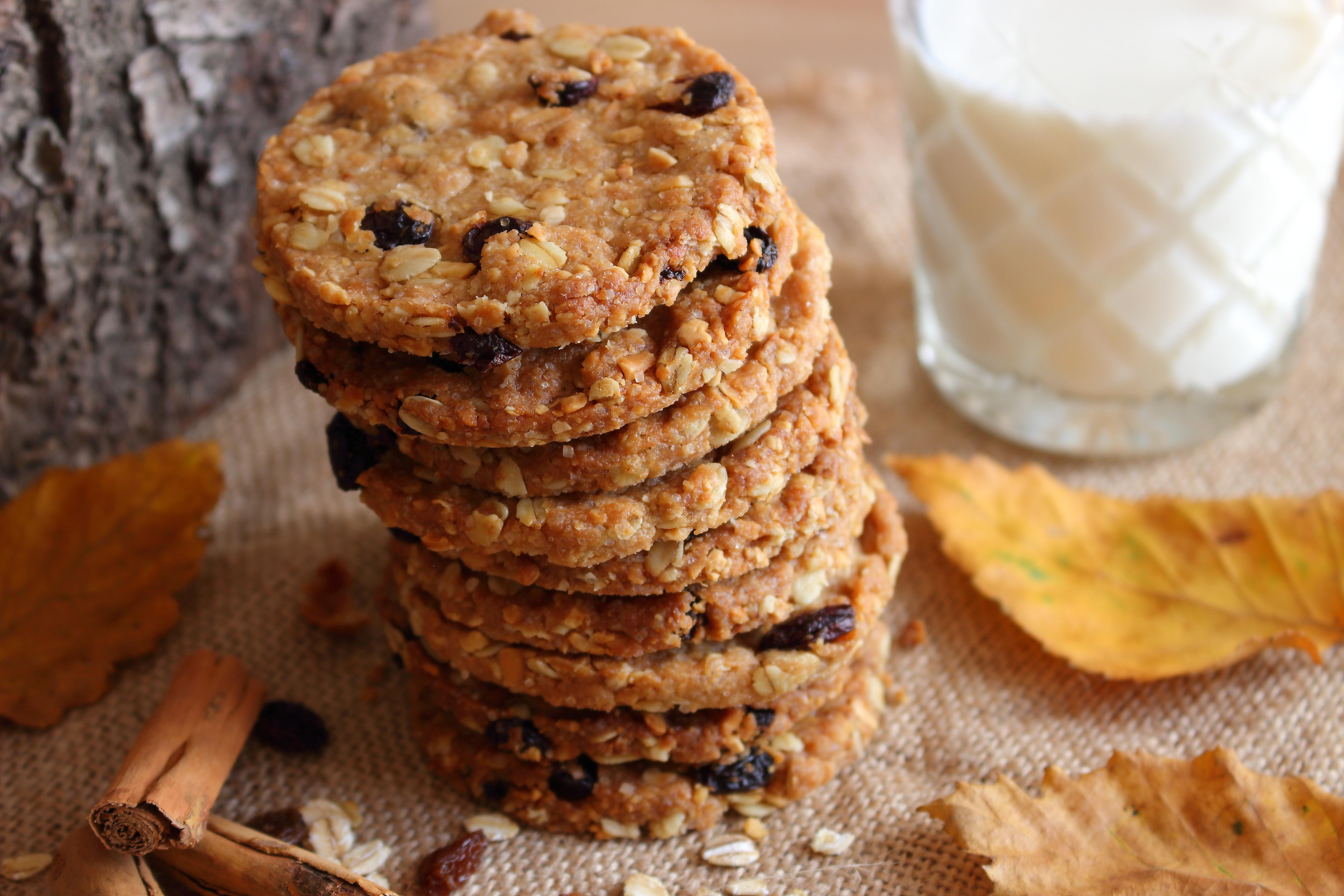 Sara Cucina Biscotti Di Natale.Biscotti Con Avena Uvetta E Mandorle Senza Uova Senza Burro