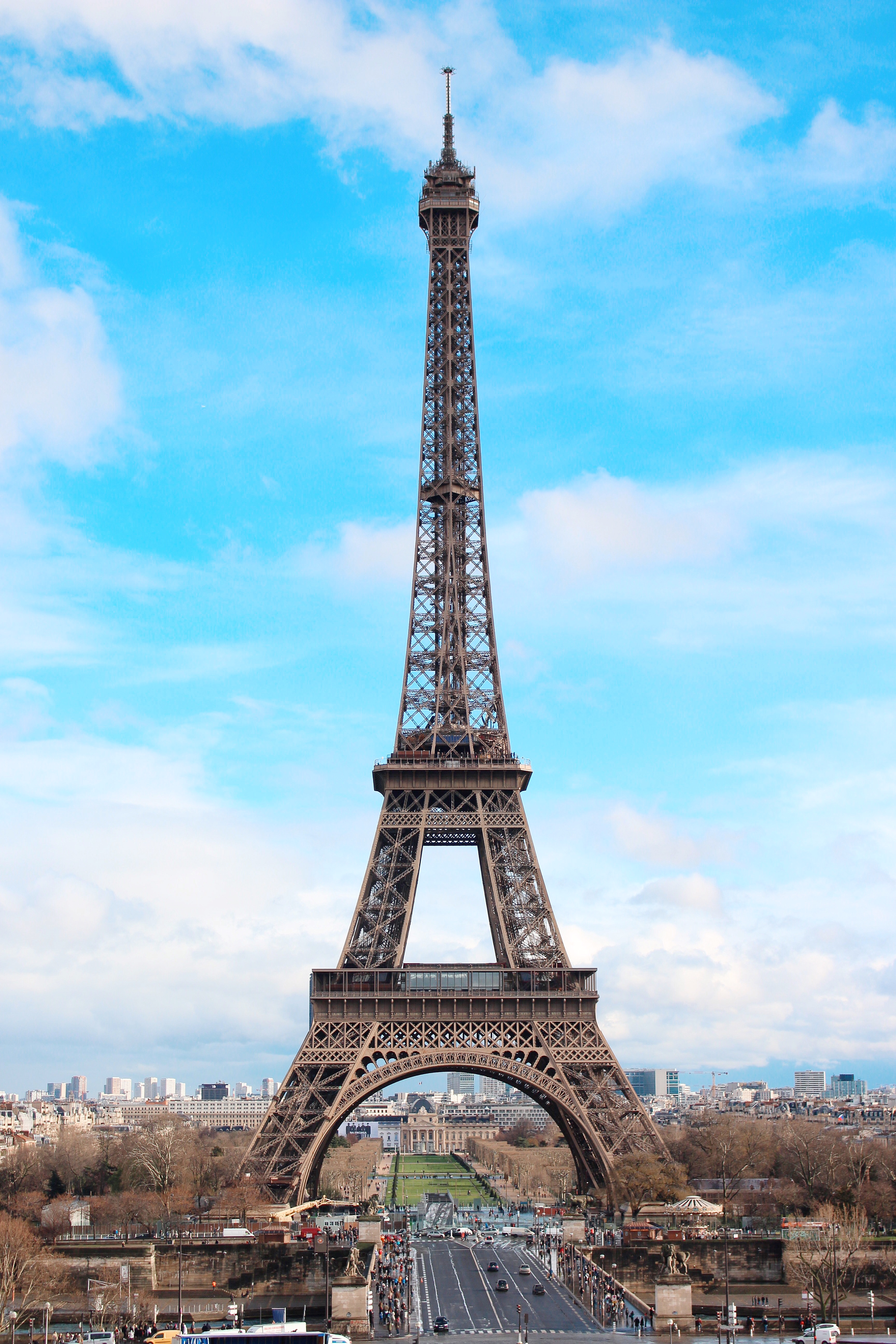 L'iconico primo piano della Tour Eiffel dai Giardini del Trocadero