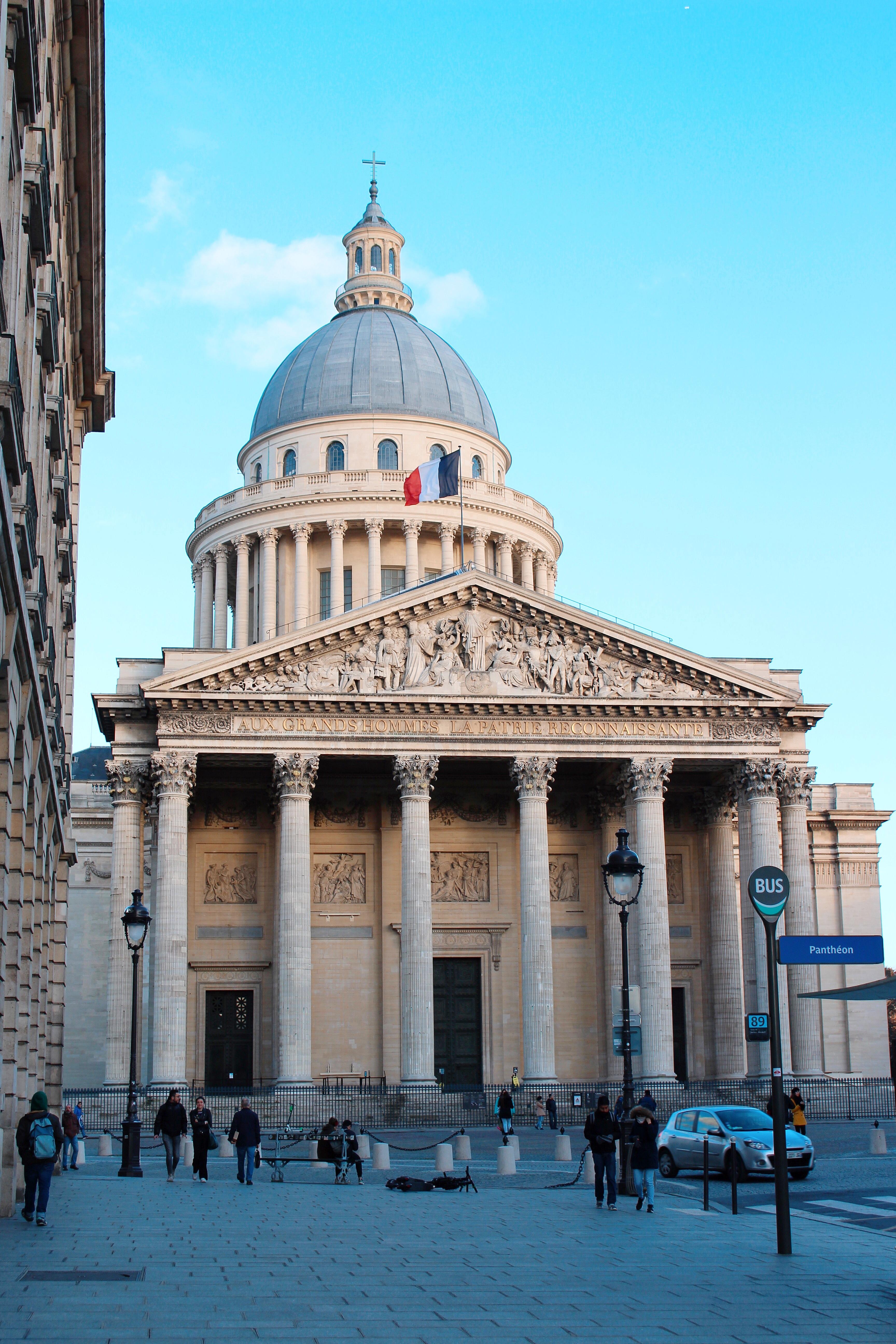 La facciata monumentale del Panthéon