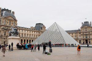La piramide del Louvre compie 30 anni nel 2019