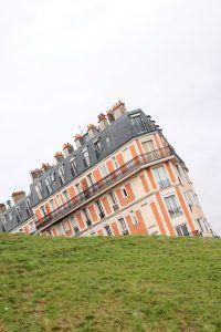 """La """"casa storta"""" sulla collina - Montmartre"""