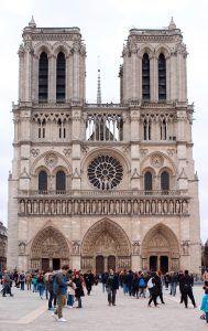 Notre Dame - Place du Parvis